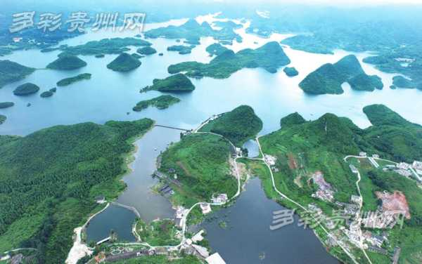 无人机航拍组记录百花湖生态美