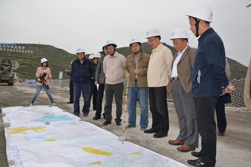 刘远坤到黔中水利枢纽工程现场考察调研