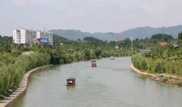 静动结合,构成一幅人与自然景观,提升了湄潭县人文旅游品质.