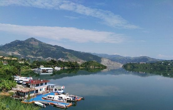 多彩贵州网 多彩贵州网贵州频道 贵州旅游     册亨和望谟的北盘江