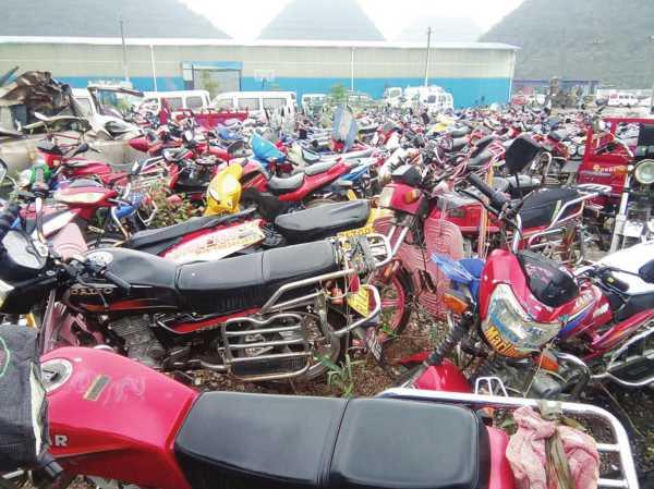 交通警察摩托车-摩托 交警部门 关岭