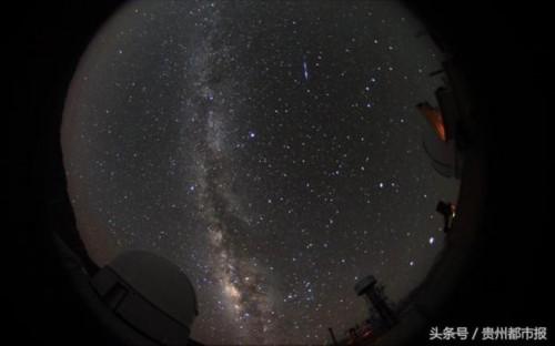 天上地下都壮观!2万余人同看流星雨