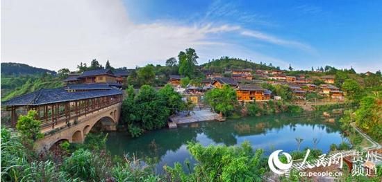 麻江县已建成乌卡坪生态蓝莓产业示范园区,3a级蓝莓生态旅游景区,嘎尤