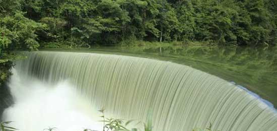 贵州荔波打造全域旅游示范样板 打赢荔波脱贫攻坚战