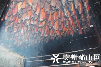 19.8元一斤的腊肉香肠正规不? 记者探访厂方