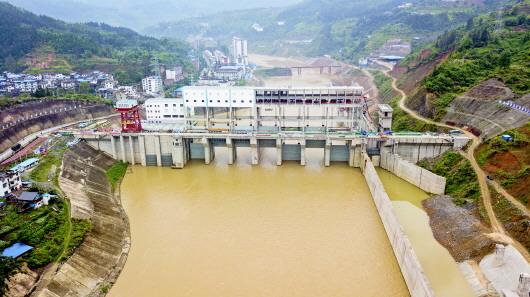 贵州首座航电枢纽工程下闸蓄水
