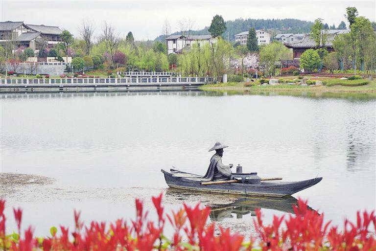 鸳鸯湖春色美