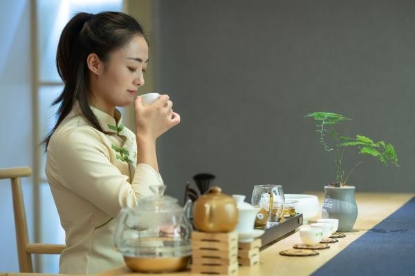 茶香弥漫 有一种美与茶有关